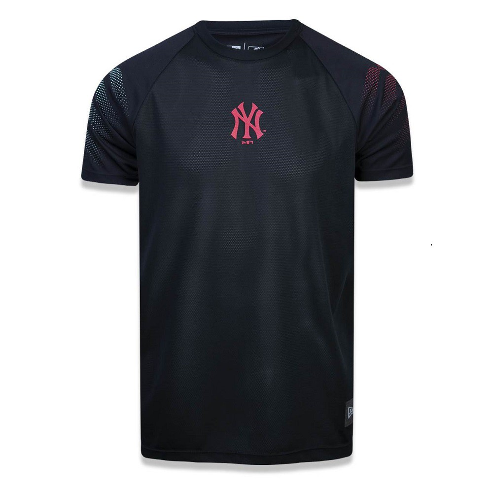 Camiseta MLB New York Yankees Performance Three Masculina Preta New Era