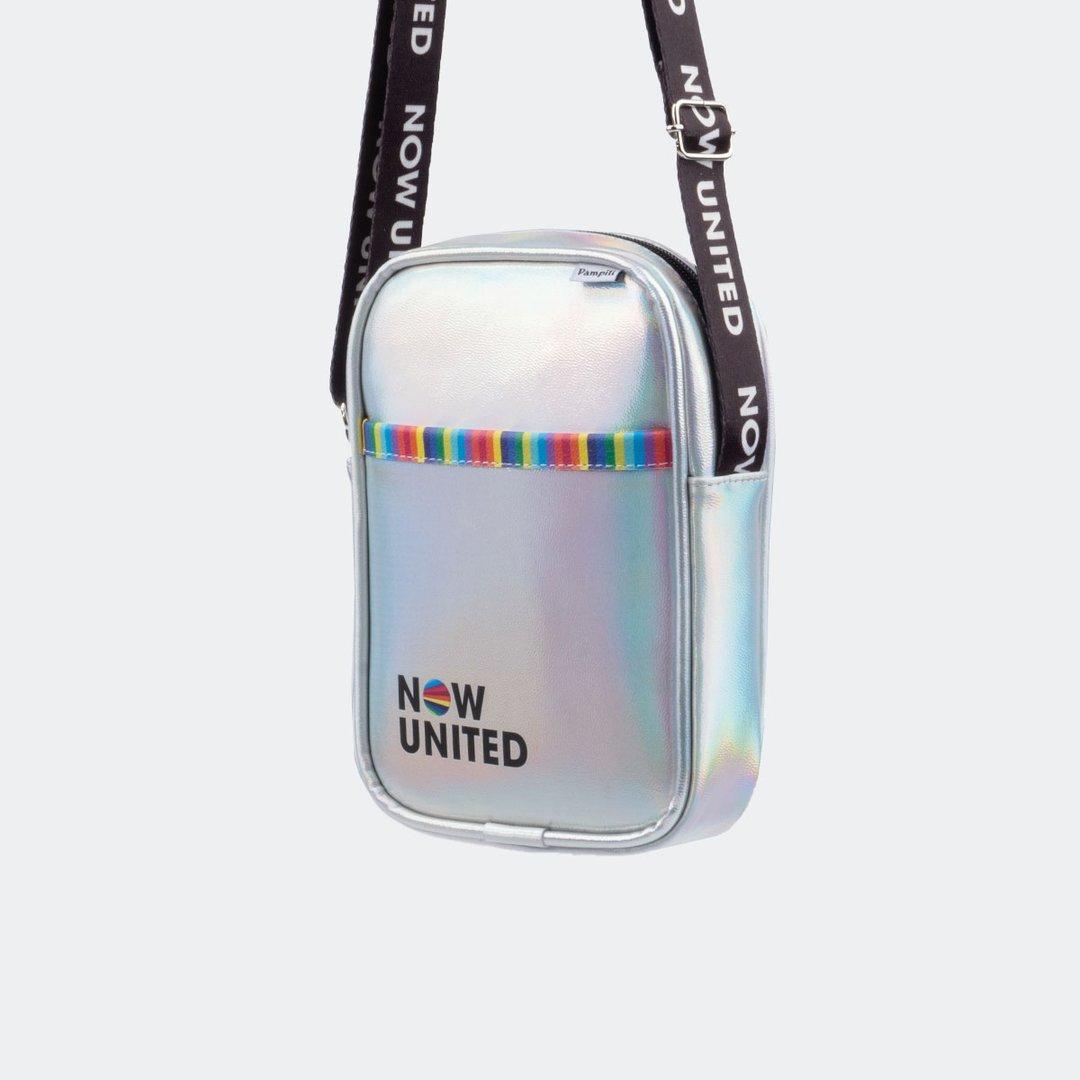 Bolsa tiracolo Now United holográfica