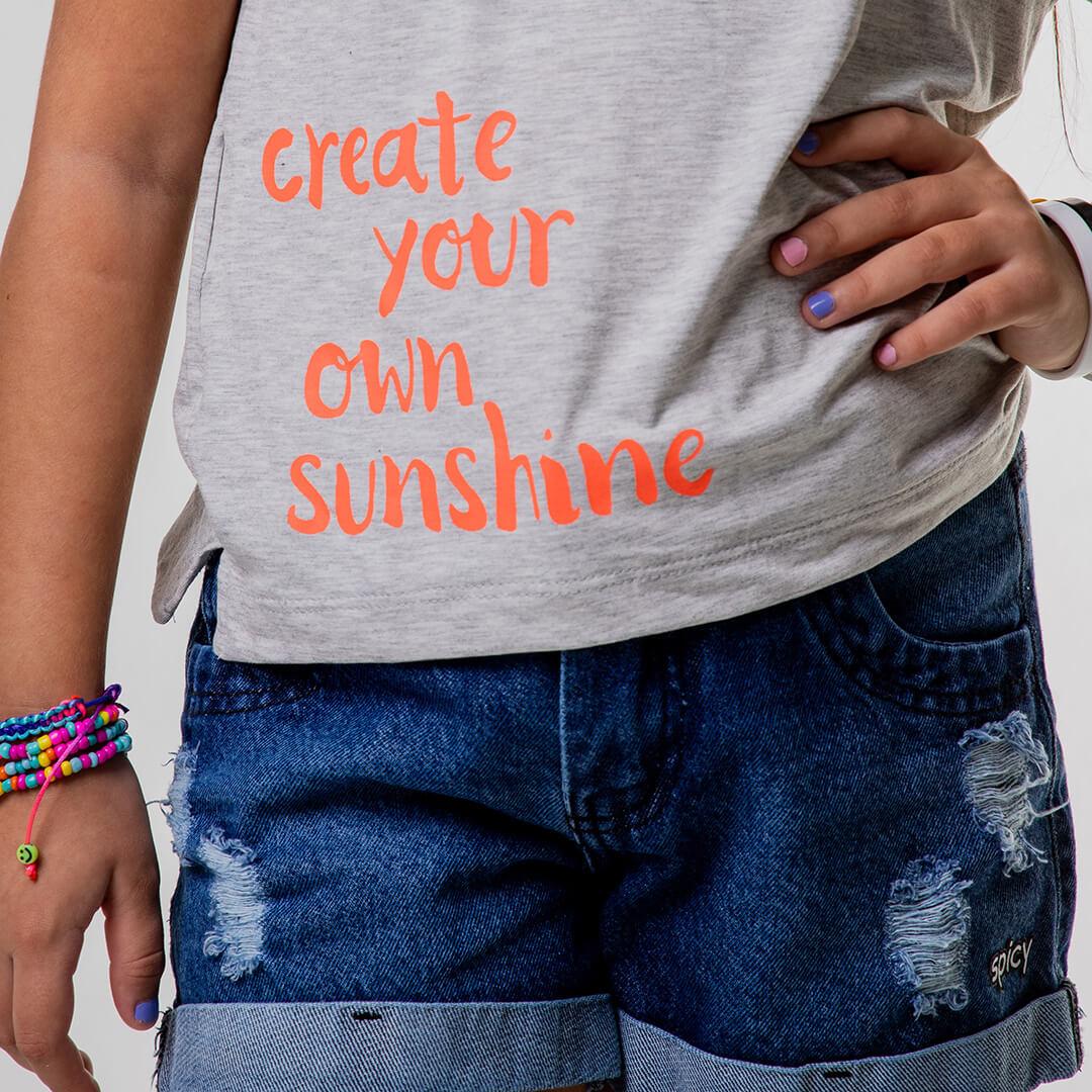 Camiseta Create Your Own Sunshine