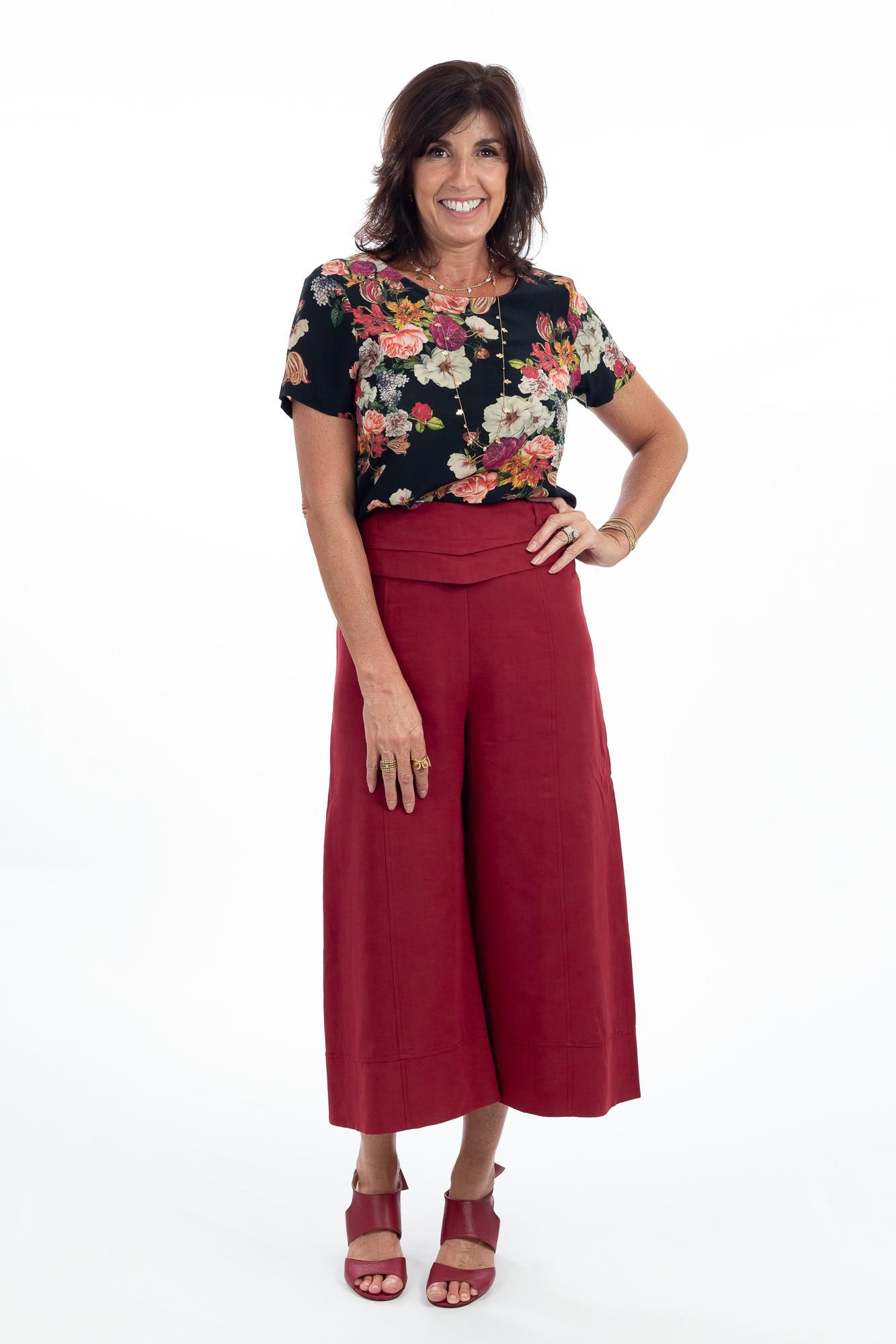 Bata seda preta estampa floral colorida Letícia Gonzaga tam 40