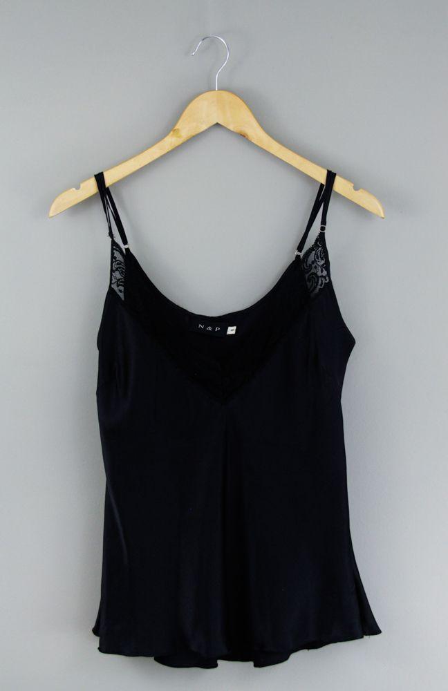 Blusa alcinha preta detalhe renda N&P tam G