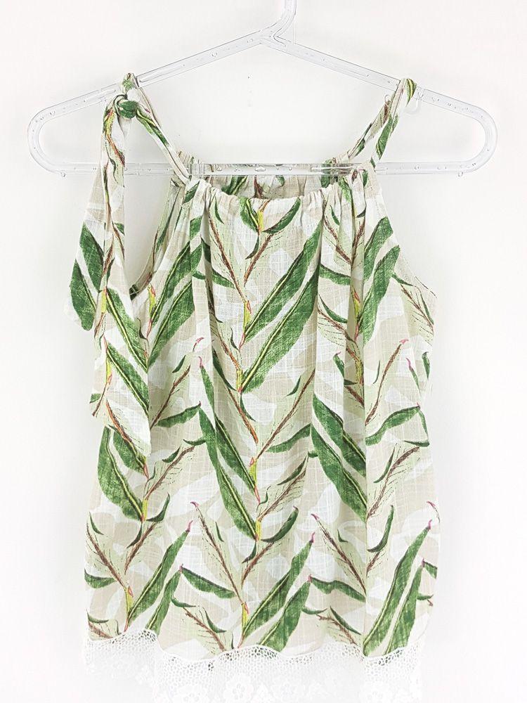 Blusa bege e branca estampa folhas verdes Camu Camu  Tam 16