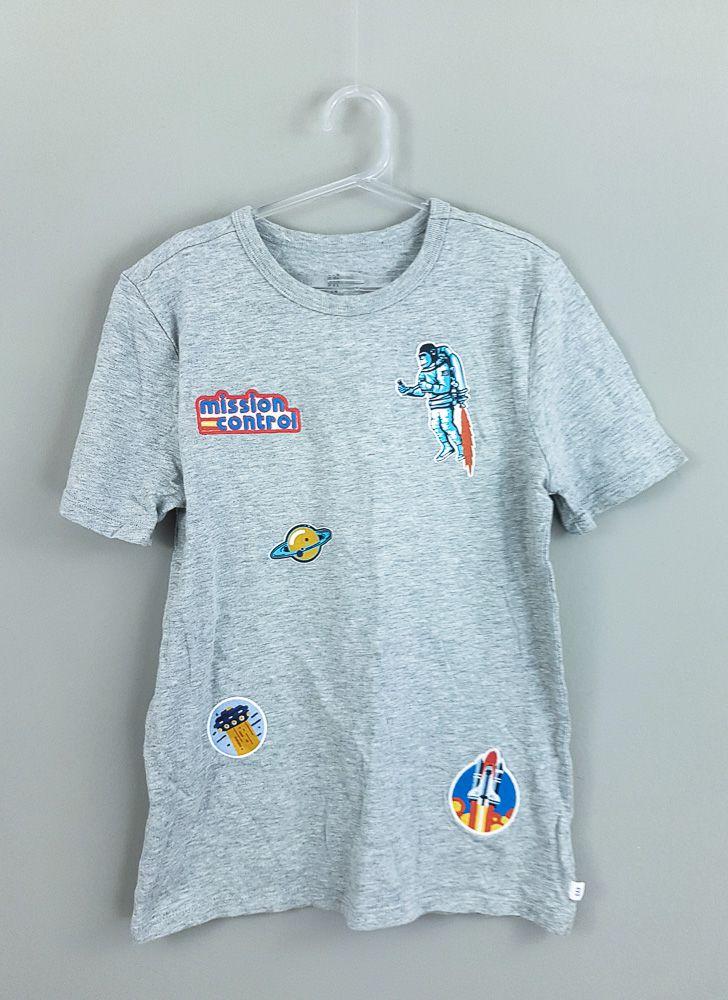 Blusa cinza detalhe planeta Mission Control Gap Kids Tam 10/11