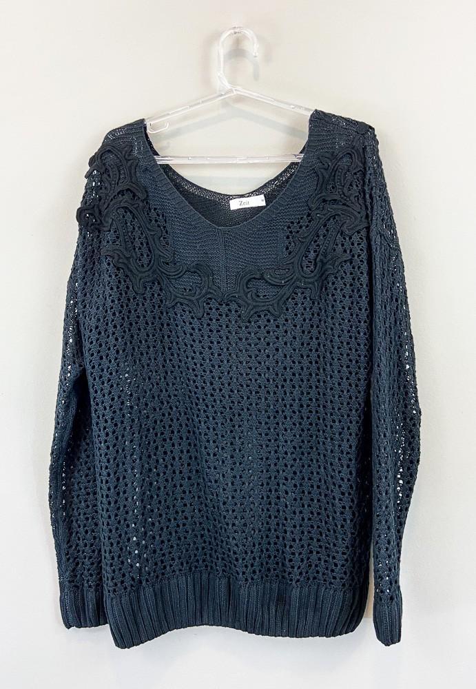 Blusa tricot preta detalhe pontos abertos Zeit tam M