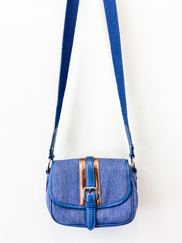 Bolsa uso lateral azul detalhe dourado Calvin Klein