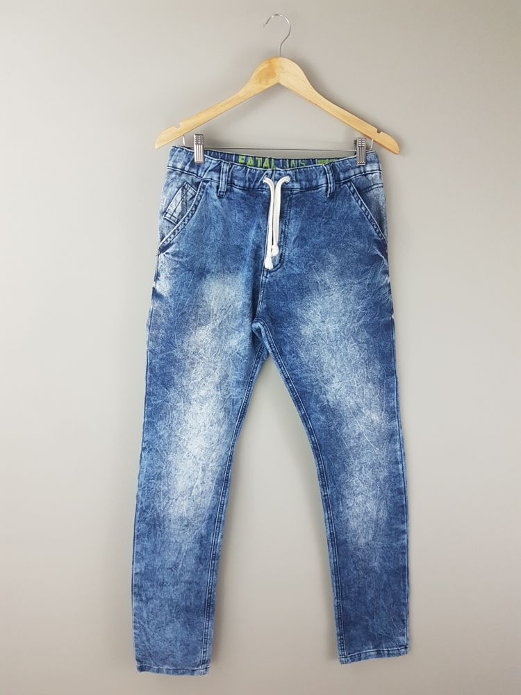 Calça jeans azul manchada Fatal Jeans tam 42