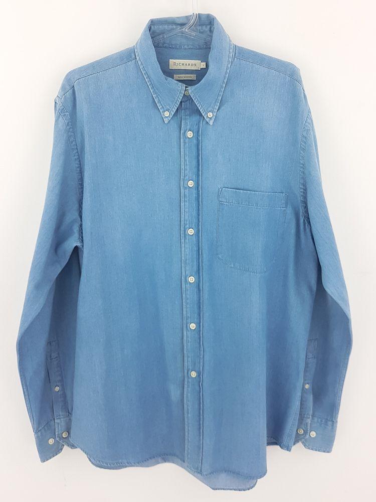 Camisa jeans azul claro botões marfim Richards tam G