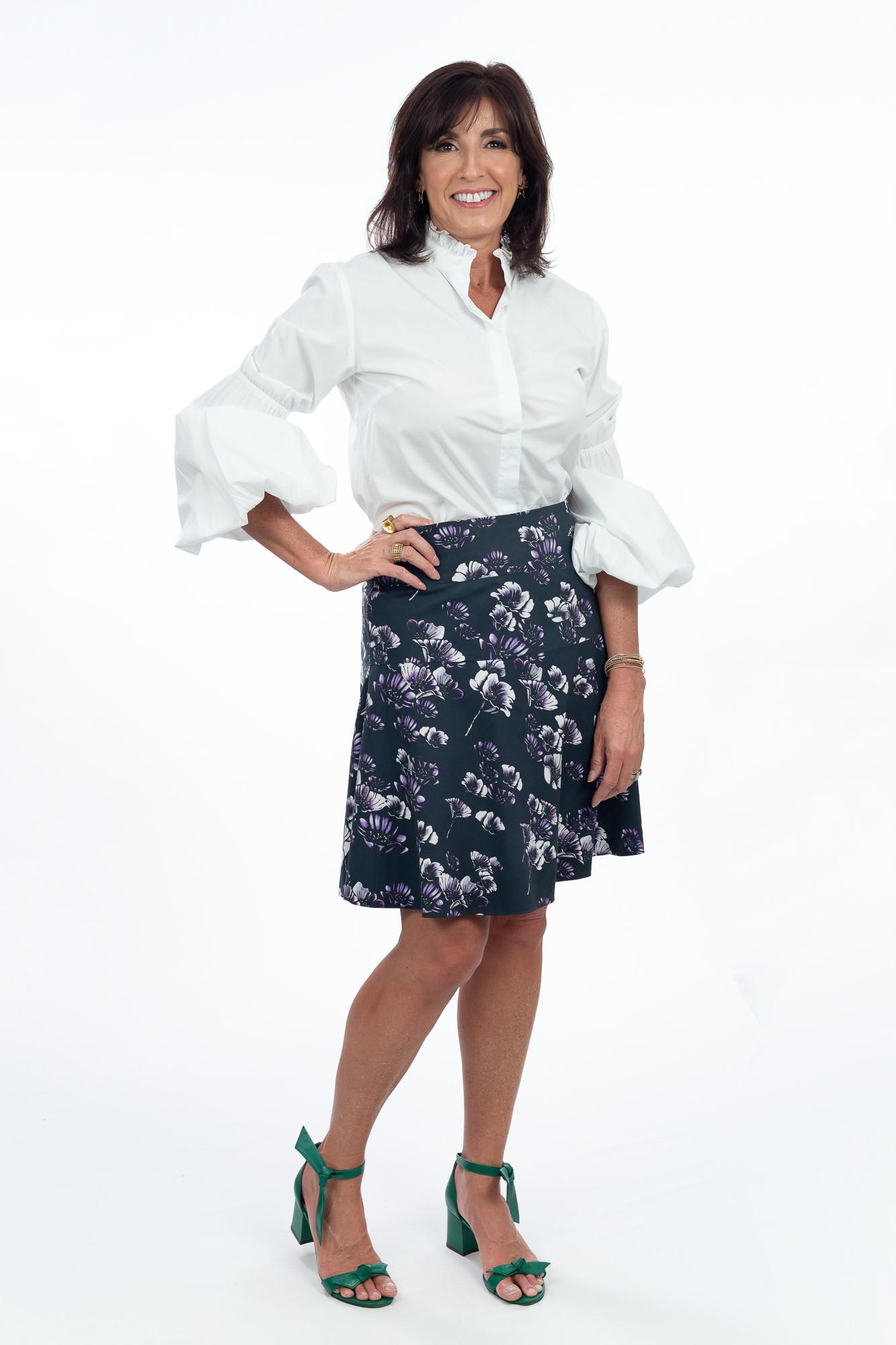Camisa off white babados/elástico Letícia Gonzaga tam 40