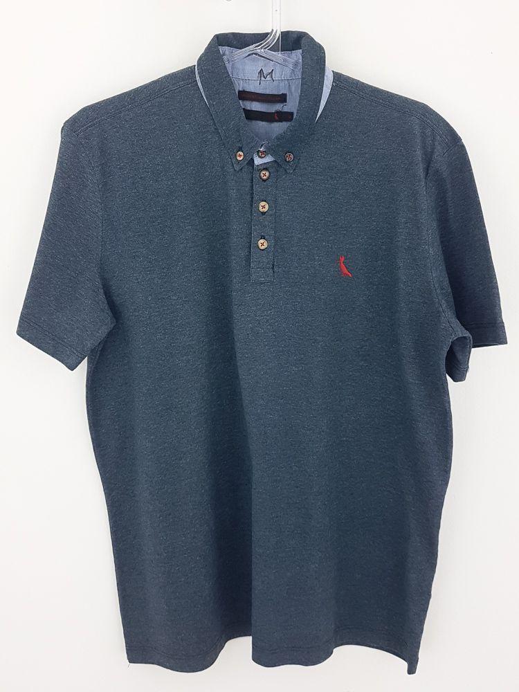 Camisa polo cinza escuro bordado vermelho Reserva tam M