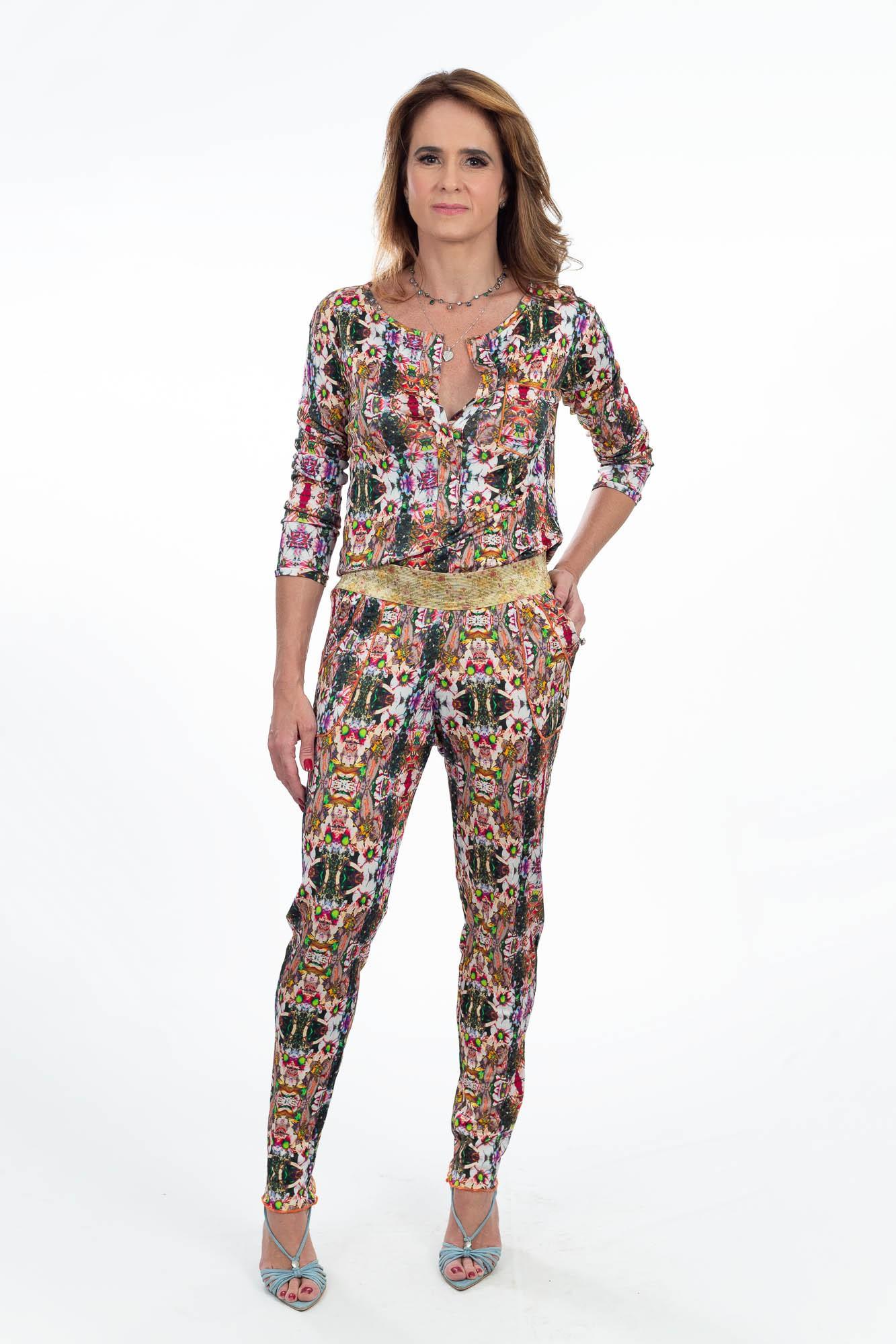 Conjunto calça e blusa estampa colorida Daniella Martins tam 38