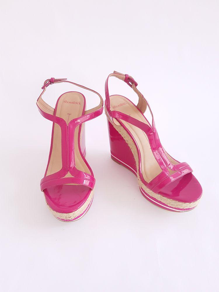 Sandália anabela pink verniz detalhe corda Shoestock tam 38