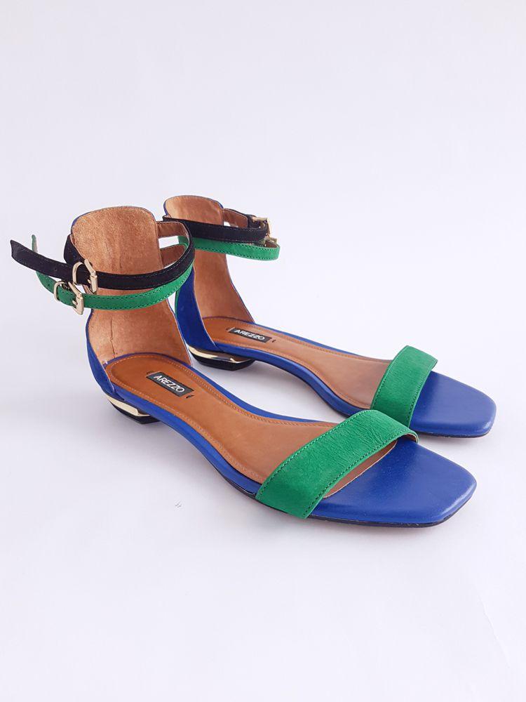 Sandália bicolor azul/verde Arezzo tam 35
