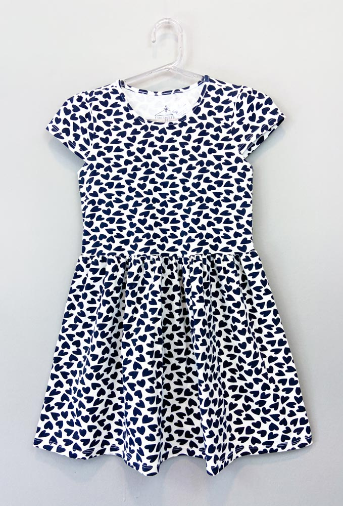 Vestido branco estampa mini corações preto saia Girls Basic Tam-12 anos