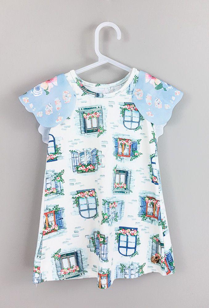 Vestido marfim estampa janelas flores azuis Marisol tam 9/12m