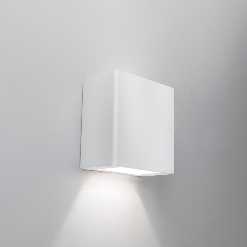 Arandela de Sobrepor New Clean 1 Facho 2 PCI LED 6W 2700K 127V 9587LED1 Newline