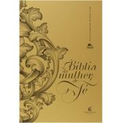 BIBLIA DA MULHER DE FE (CAPA DOURADA)