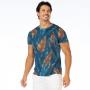 Camiseta Básica Adulto Folhas em Fundo Azul