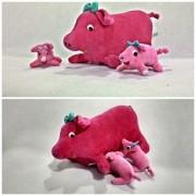 Bicho de Pelúcia Porca com Filhotes