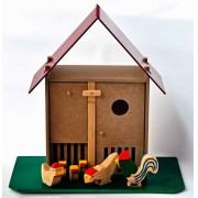 Brinquedo de Madeira Galinheiro Cocoricó.