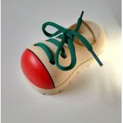 Brinquedo de Madeira Sapatinho Aprenda Amarrar o Tênis