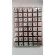 Brinquedo Educativo Bloco de Letras 48 Cubos Brancos de Madeira