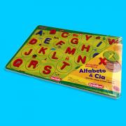 Brinquedo Educativo de Madeira Alfabeto & Cia