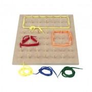 Brinquedo Educativo de Madeira Geoplano 56 Pinos com Cadarços
