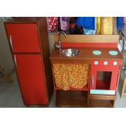 Kit Cozinha de madeira com Cortina e Geladeira Modelo Rústica para casinha infantil