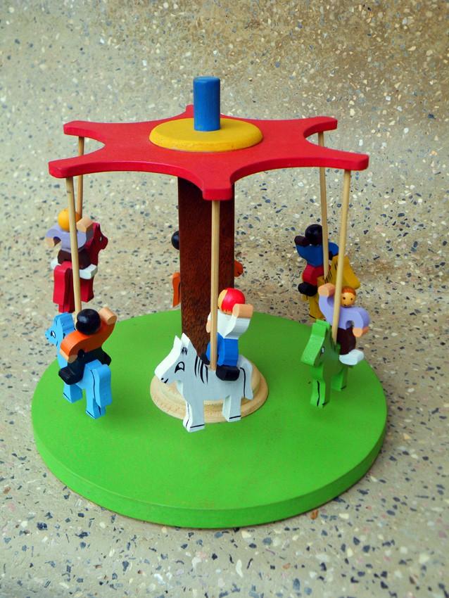 Brinquedo de Madeira Artesanal Carrossel