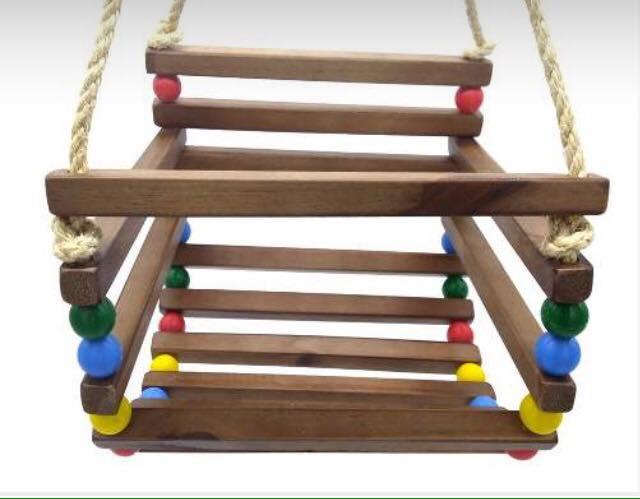 Brinquedo de Madeira Balanço Cadeirinha com Corda Tamanho Médio