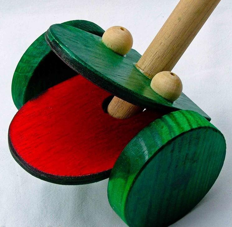 Brinquedo de Madeira Sapo de Empurrar