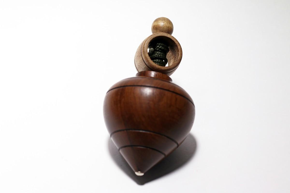 Brinquedo de Madeira Tradicional Pião Francês