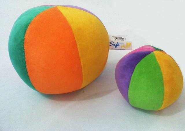 Brinquedo de Pelúcia Bola Conjunto Bolas