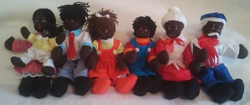 Conjunto de Bonecos Família Negra Brinquedo Educativo de pano
