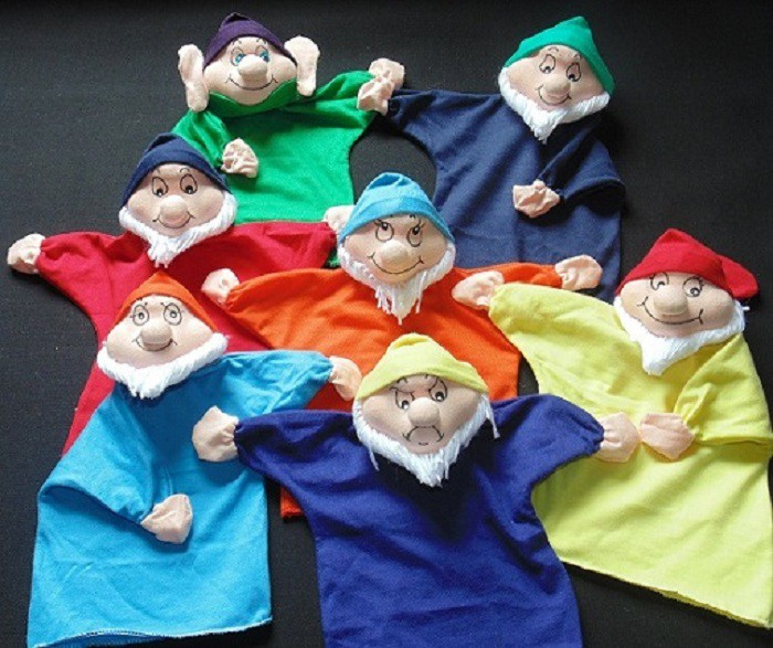 Brinquedo Educativo Conjunto de Fantoches Sete Anões
