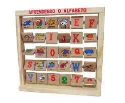 Brinquedo Educativo de Madeira Aprendendo o Alfabeto