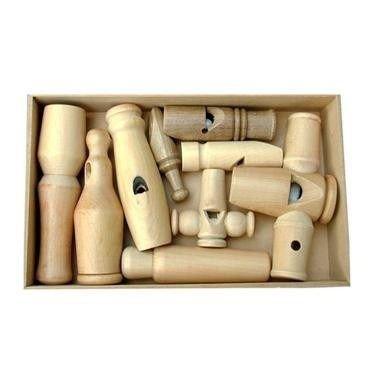 Caixa com Tampa com 9 apitos Brinquedo Educativo de Madeira