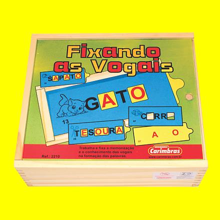 Brinquedo Educativo de Madeira Fixando as Vogais