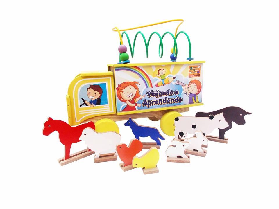 Brinquedo Educativo de Madeira Viajando e Aprendendo Bichos