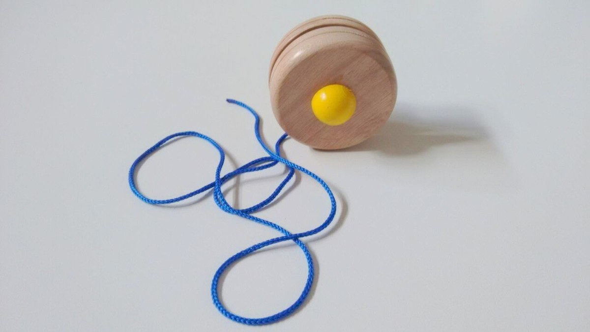 Brinquedo Tradicional de Madeira Ioiô Cores Sortidas