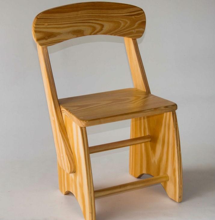 Cadeira de Madeira Infantil em Pinus