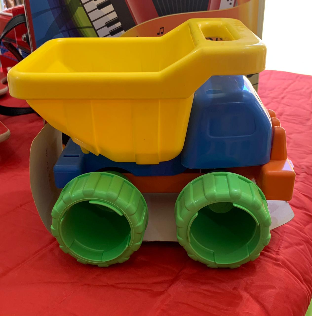 Caminhão Transforma Verão Basculante Brinquedo de Areia