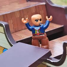 Casinha e Barco do Pirata Jack de Madeira Modelo A162