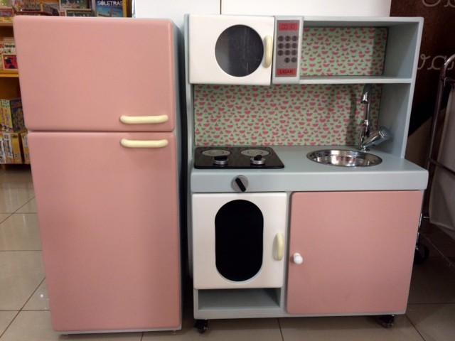 Cozinha de Madeira Pequena Completa para casinha infantil