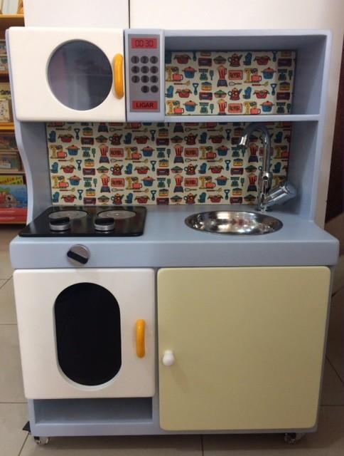 Cozinha de Madeira Pequena para Casinha Infantil