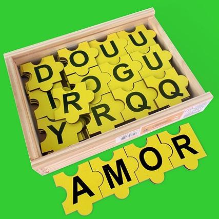 Forme Palavras Brinquedo Educativo de Madeira