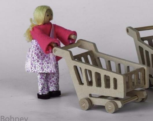 Kit Boneco de Madeira Articulado para casinha de boneca Kit Supermercado