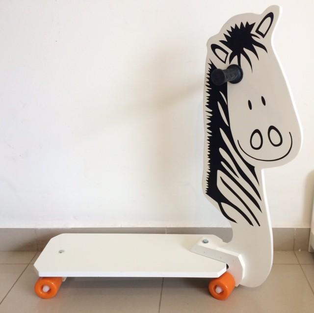 Patinete de Madeira 4 Rodas Zebra