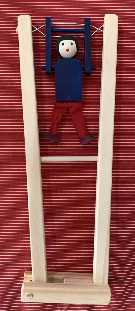 Trapezista Brinquedo Educativo de Madeira