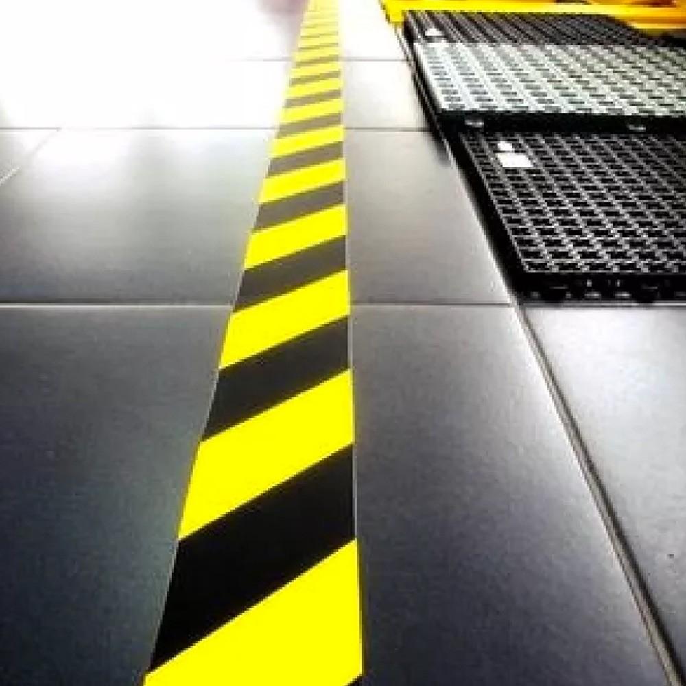 Fita de PVC para Demarcação de Solo Zebrada Amazon Tape 25mm X 30m Amarela e Preta